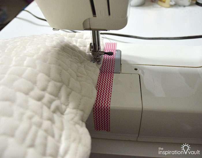 DIY Velvet Eyelash Pillow Step 12b
