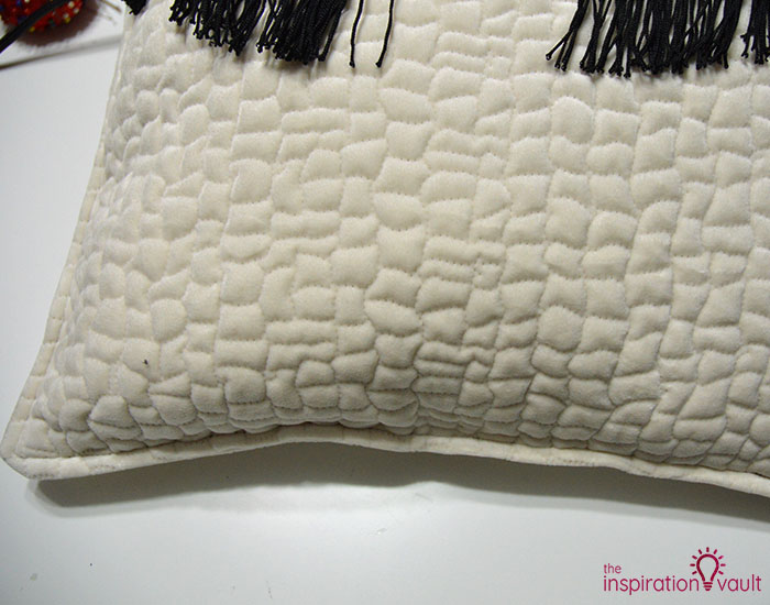 DIY Velvet Eyelash Pillow Step 12c