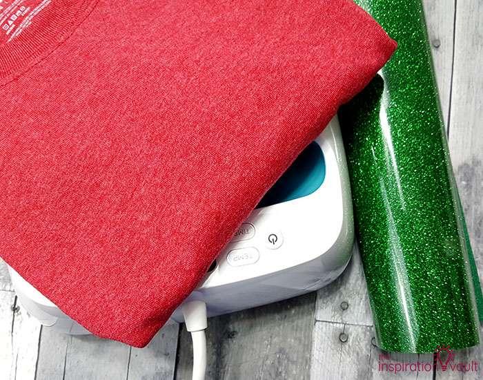 Make Christmas T-shirts with Cricut Materials