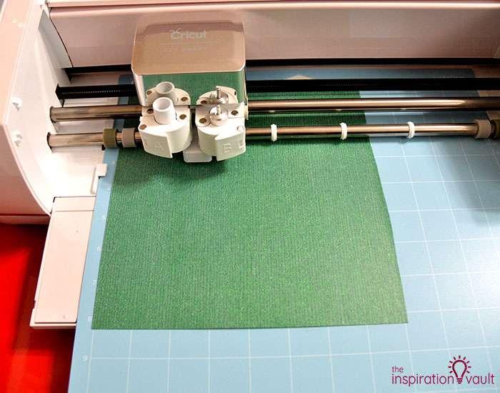 Make Christmas T-shirts with Cricut Step 4