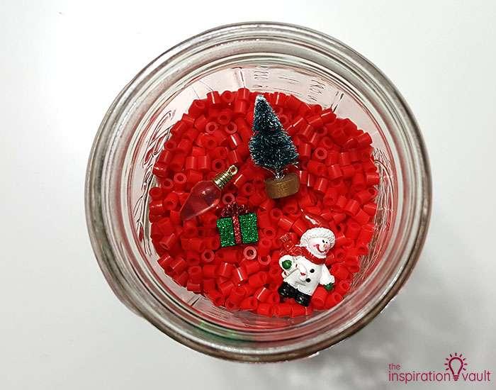 DIY I Spy Christmas in a Jar 4th Step 3a