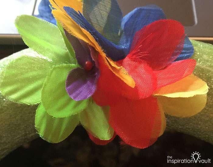 Hawaiian Lei Wreath Step 2