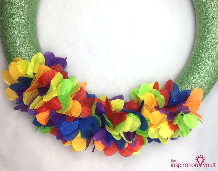 Hawaiian Lei Wreath Step 3b