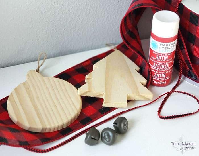 Easy Buffalo Check Christmas Ornaments Materials