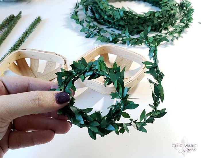 Mini Tobacco Basket Christmas Ornaments Step 1c