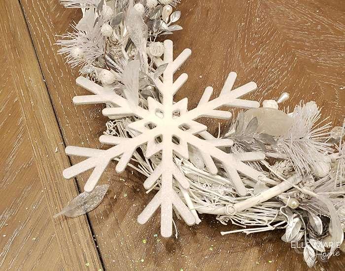 Neutral Winter Wreath 6