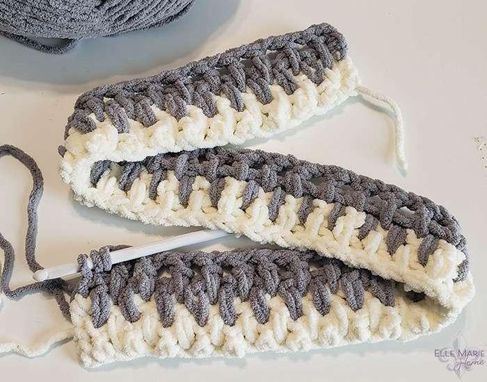 Linen Stitch Crochet Blanket row 4